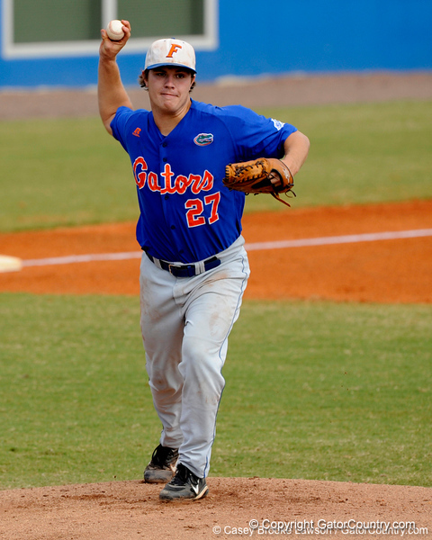 Senior pitcher Patrick Keating throws toward first base during the University of Florida Orange and Blue scrimmage game in Gainesville, Fla on November 8, 2008. (Casey Brooke Lawson / Gator Country)
