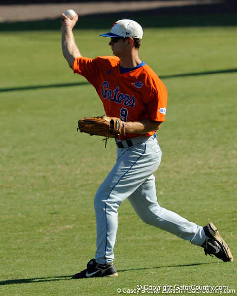 Junior Jonathan Pigott prepares to throw the ball to second base during the University of Florida Orange and Blue scrimmage game in Gainesville, Fla on November 8, 2008. (Casey Brooke Lawson / Gator Country)