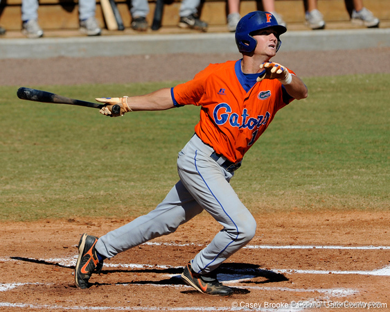 Florida senior Avery Barnes bats during the University of Florida Orange and Blue scrimmage game in Gainesville, Fla on November 8, 2008. (Casey Brooke Lawson / Gator Country)