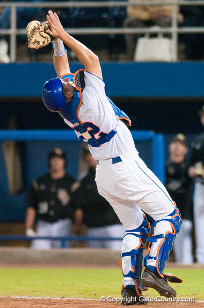 Hampton Tignor fields a fly ball in the top of the eighth inning during the University of Florida 16-3 win against the University of Central Florida on 4/8/09         Photo by: Tim Darby