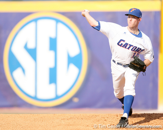 Florida sophomore Anthony DeSclafani warms up during the Gators' 10-6 loss to the LSU Tigers in the SEC Tournament on Wednesday, May 26, 2010 at Regions Park in Hoover, Ala. / Gator Country photo by Tim Casey