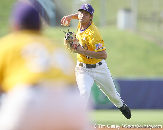 LSU shortstop Austin Nola fields a ground ball during the Gators' 10-6 loss to the LSU Tigers in the SEC Tournament on Wednesday, May 26, 2010 at Regions Park in Hoover, Ala. / Gator Country photo by Tim Casey