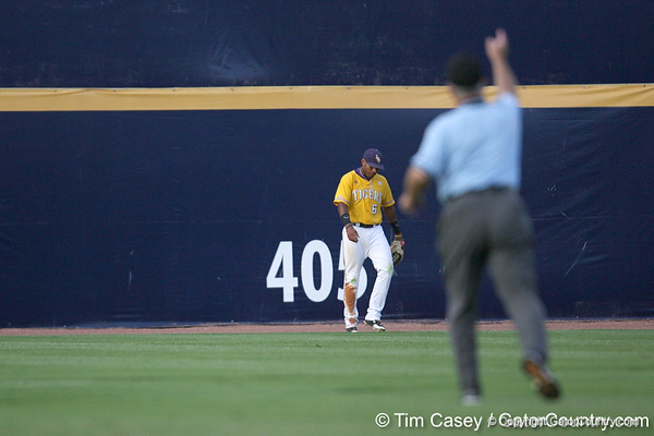 LSU centerfielder Leon Landry reacts after Florida senior Matt den Dekker hit a solo home run during the Gators' 10-6 loss to the LSU Tigers in the SEC Tournament on Wednesday, May 26, 2010 at Regions Park in Hoover, Ala. / Gator Country photo by Tim Casey