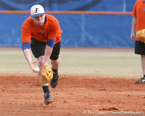 Florida freshman infielder Nolan Fontana fields a ground ball during the Gators' first day of practice on Friday, January 29, 2010 at McKethan Stadium in Gainesville, Fla. / Gator Country photo by Tim Casey