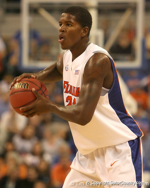 photo by Tim Casey<br /> <br /> Florida freshman forward Allan Chaney looks to pass during the first half of the Gators' exhibition game against the Warner Southern Royals on Monday, November 3, 2008 at the Stephen C. O'Connell Center in Gainesville, Fla.