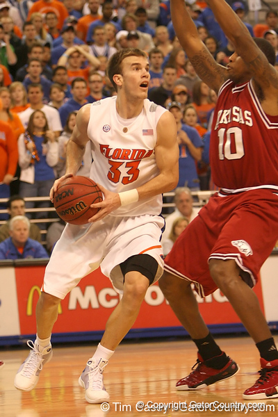 photo by Tim Casey<br /> <br /> Florida sophomore guard/forward Nick Calathes looks to pass during first half of the Gators' 80-65 win against the Arkansas Razorbacks on Saturday, January 17, 2009 at the Stephen C. O'Connell Center in Gainesville, Fla.