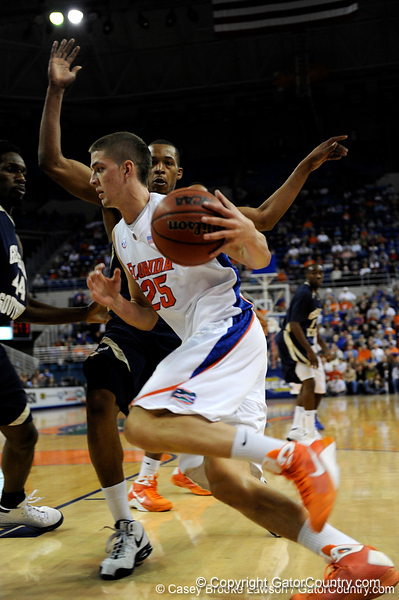 photo by Casey Brooke Lawson<br /> <br /> Florida sophomore forward Chandler Parsons moves the ball past a Georgia Southern player in the first half. The Gators beat the Eagles 88 to 81 at the O'Connell Center in Gainesville, Fla. on December 22, 2008