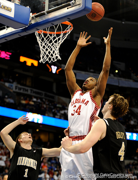 Alabama forward Yamene Coleman attempts to score during the Alabama Crimson Tide 82-75 victory over the Vanderbilt Commodores on Thursday, March 12, 2009 in the St. Pete Times Forum. / Gator Country photo by Casey Brooke Lawson