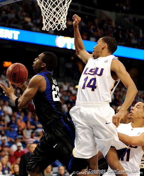 LSU guard Garrett Temple blocks a Kentucky player during the LSU Tigers 67-58 victory over the Kentucky Wildcats on Friday, March 13, 2009 in the St. Pete Times Forum. / Gator Country photo by Casey Brooke Lawson