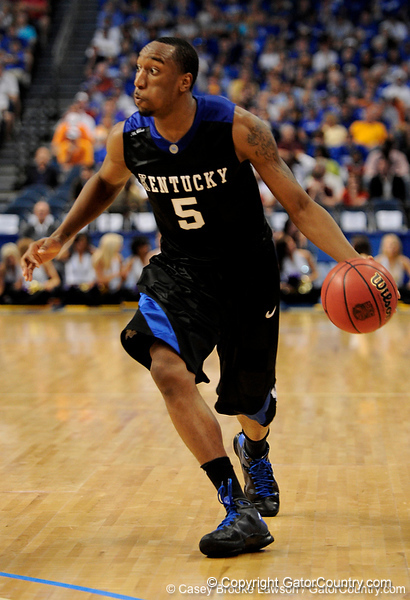 Kentucky player Ramon Hines moves the ball downcourt during the LSU Tigers 67-58 victory over the Kentucky Wildcats on Friday, March 13, 2009 in the St. Pete Times Forum. / Gator Country photo by Casey Brooke Lawson