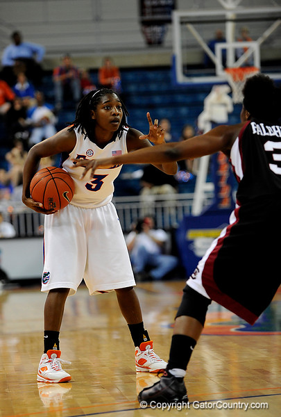 (Casey Brooke Lawson / Gator Country) UF senior forward Sha Brooks motions to her teammates during the Gators 82 to 64 victory over South Carolina on Sunday, February 22, 2009.