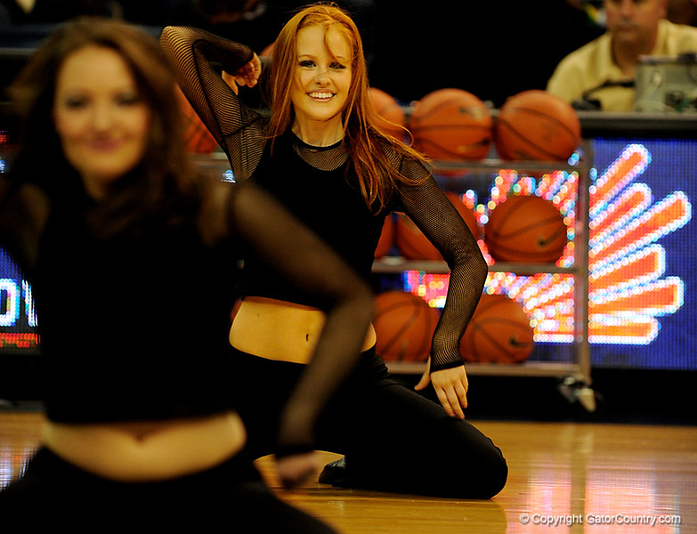 (Casey Brooke Lawson / Gator Country) The UF Dazzlers preform during halftime of the Gators 82 to 64 victory over South Carolina on Sunday, February 22, 2009.