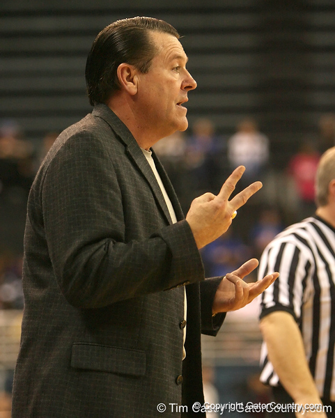 photo by Tim Casey<br /> <br /> Georgia coach Andy Landers signals to his team during the Gators' 61-45 win against the Bulldogs on Sunday, January 18, 2009 at the Stephen C. O'Connell Center in Gainesville, Fla.