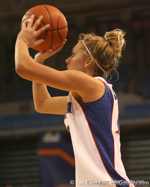 photo by Tim Casey<br /> <br /> Florida junior guard Steffi Sorensen misses a three-pointer with 18:49 remaining during the Gators' 75-54 win against the Mississippi Rebels on Sunday, January 25, 2009 at the Stephen C. O'Connell Center in Gainesville, Fla.