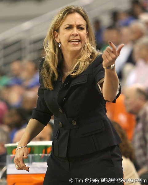 photo by Tim Casey<br /> <br /> Florida head coach Amanda Butler motions to a player during the second half of the Gators' 74-59 win against the Kentucky Wildcats on Thursday, January 29, 2009 at the Stephen C. O'Connell Center in Gainesville, Fla.