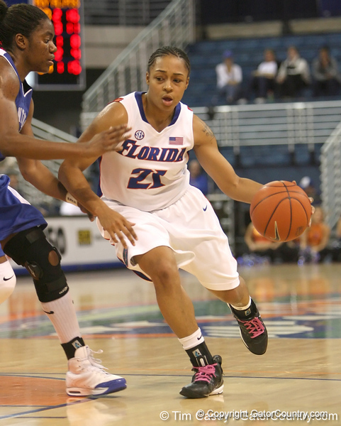 photo by Tim Casey<br /> <br /> Florida freshman guard Trumae Lucas dribbles towards the basket during the second half of the Gators' 74-59 win against the Kentucky Wildcats on Thursday, January 29, 2009 at the Stephen C. O'Connell Center in Gainesville, Fla.