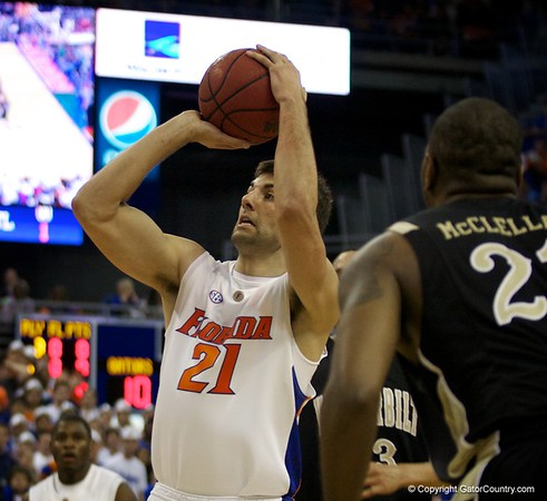 Photo Gallery: UF Men's Basketball v. Vanderbilt, 3/3/10