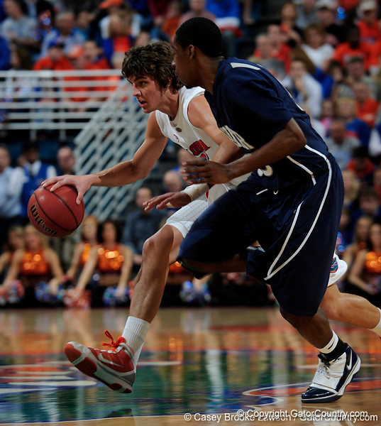 University of Florida forward Chandler Parsons moves the ball past an Xavier player during the Gators 64-76 loss to the Musketeers in Gainesville, Fla., on Saturday, February 13, 2010. / Gator Country photo by Casey Brooke Lawson