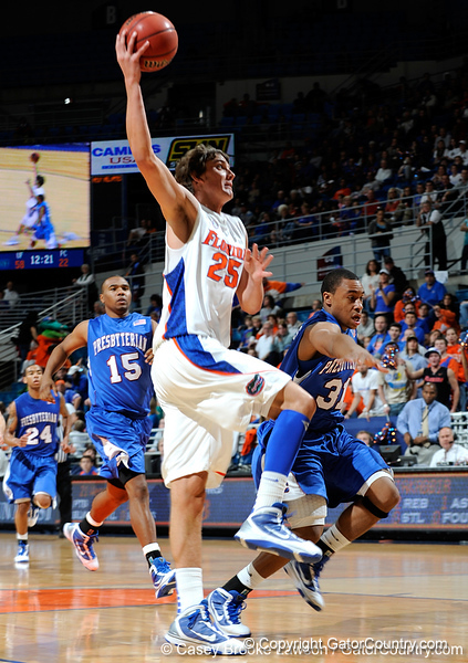 Photo Gallery: UF Men's Basketball vs. Presbyterian, 12/30/09