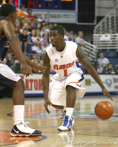 Florida freshman guard Kenny Boynton prepares to make a move during the Gators' 69-49 win against Georgia Southern on Wednesday, November 18, 2009 at the Stephen C. O'Connell Center in Gainesville, Fla. / photo by Tim Casey