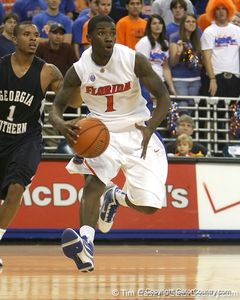 Florida freshman guard Kenny Boynton drives to the basket during the Gators' 69-49 win against Georgia Southern on Wednesday, November 18, 2009 at the Stephen C. O'Connell Center in Gainesville, Fla. / photo by Tim Casey