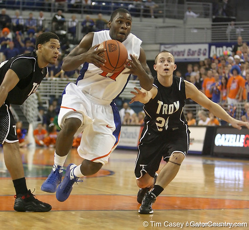 Photo Gallery: UF Men's Basketball vs. Troy, 11/20/09