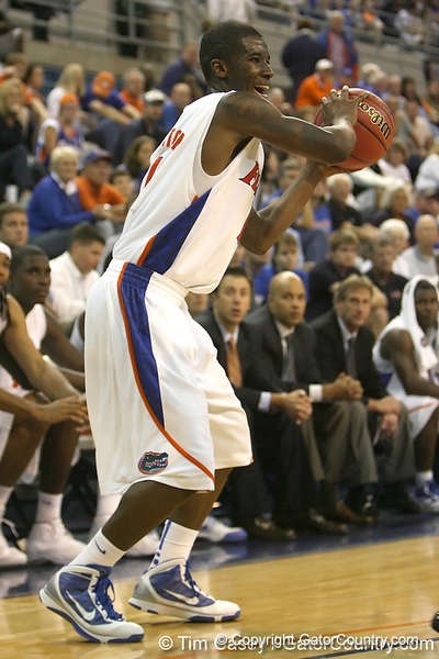 Florida freshman guard Kenny Boynton looks to pass during the Gators' 95-46 exhibition game win against the St. Leo Lions on Monday, November 2, 2009 at the Stephen C. O'Connell Center in Gainesville, Fla. / Gator Country photo by Tim Casey