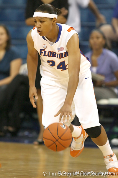Florida senior forward Sharielle Smith controls the ball during the Gators' 75-39 win against the UAB Blazers on Tuesday, November 24, 2009 at the Stephen C. O'Connell Center in Gainesville, Fla. / photo by Tim Casey
