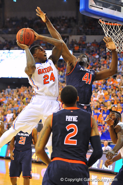 The Gators pull off a late comeback to defeat the Auburn Tigers 71-66.