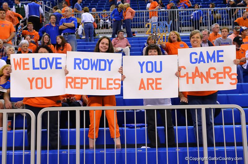 Gator seniors shine as they roll over Kentucky 84-65 on senior day.