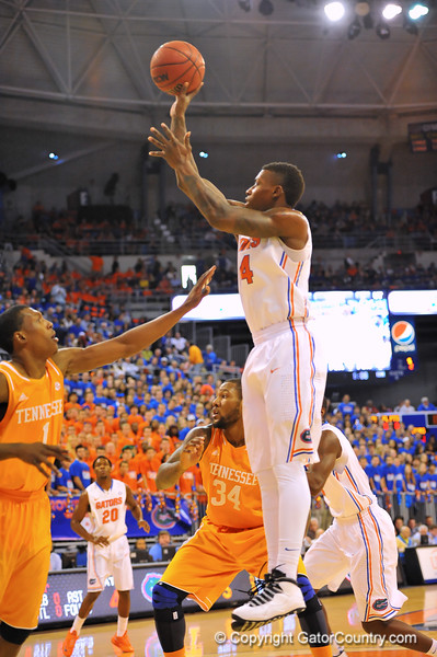 Florida forward Casey Prather with the shot.  Florida Gators vs Tennessee Volunteers.  January 25, 2013.  Gator Country photo by David Bowie.