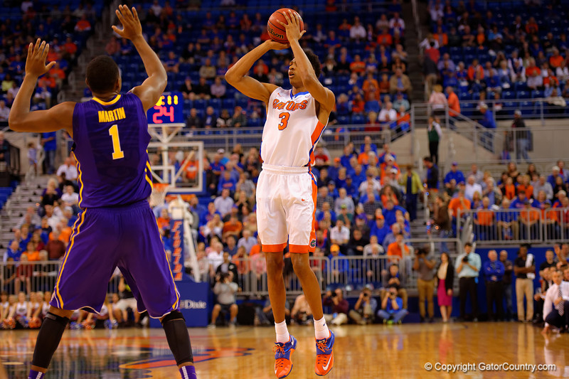 Florida Gators forward Devin Robinson with a shot attempt during the first half.  Florida Gators vs LSU Tigers.  January 20th, 2015. Gator Country photo by David Bowie.