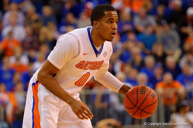 Florida Gators guard Kasey Hill dribbling during the second half.  Florida Gators vs LSU Tigers.  January 20th, 2015. Gator Country photo by David Bowie.