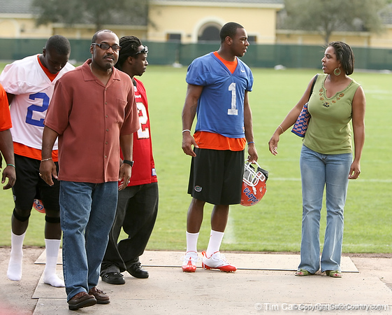 photo by Tim Casey<br /> <br /> UF sophomore wide receiver Percy Harvin speaks with his mother after the Gators practiced on Sunday, December 30, 2007 at Disney's Wide World of Sports Complex in Lake Buena Vista, Fla.