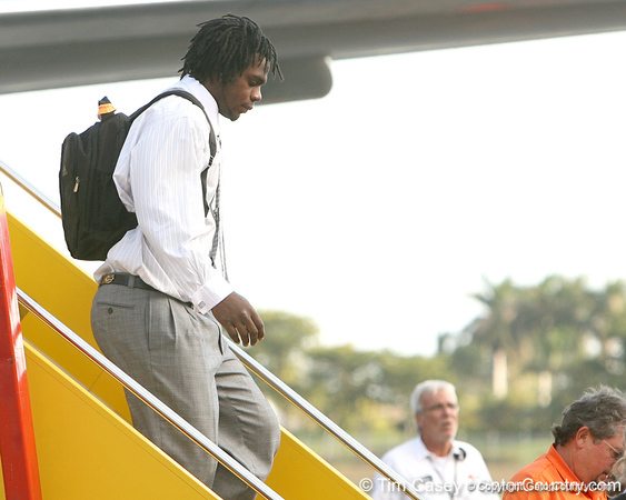 photo by Tim Casey<br /> <br /> Florida junior defensive end Jermaine Cunningham disembarks from the team plane after the Gators arrived for the BCS Championship Game on Friday, January 2, 2009 at Fort Lauderdale-Hollywood International Airport in Fort Lauderdale, Fla.