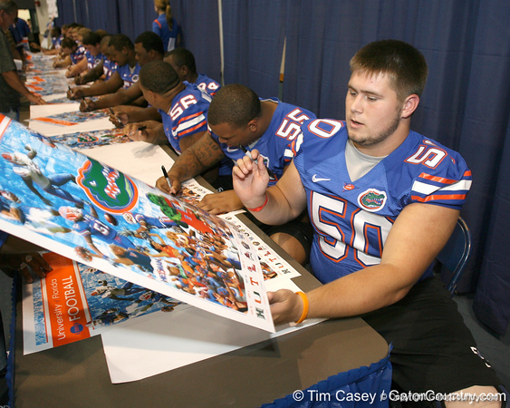 080817_RobeySam_5151_TCasey<br /> <br /> photo by Tim Casey<br /> <br /> during the University of Florida football team's Alltel Football Fan Day on Sunday, August 17, 2008 at the Stephen C. O'Connell Center in Gainesville, Fla.