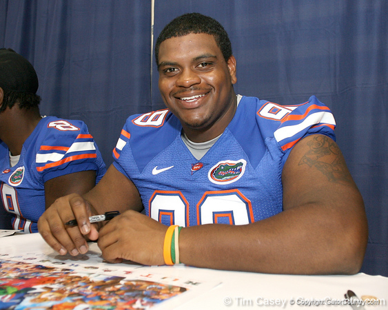 080817_HunterOmar_5185_TCasey<br /> <br /> photo by Tim Casey<br /> <br /> during the University of Florida football team's Alltel Football Fan Day on Sunday, August 17, 2008 at the Stephen C. O'Connell Center in Gainesville, Fla.