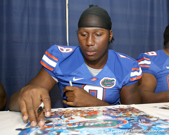 080817_DunlapCarlos_5186_TCasey<br /> <br /> photo by Tim Casey<br /> <br /> during the University of Florida football team's Alltel Football Fan Day on Sunday, August 17, 2008 at the Stephen C. O'Connell Center in Gainesville, Fla.