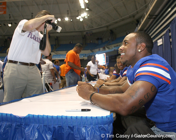 080817_HarvinPercy_5119_TCasey<br /> <br /> photo by Tim Casey<br /> <br /> during the University of Florida football team's Alltel Football Fan Day on Sunday, August 17, 2008 at the Stephen C. O'Connell Center in Gainesville, Fla.