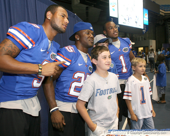 080817_MurphyLouisJamesBrandonHarvinPercy_5261_TCasey<br /> <br /> photo by Tim Casey<br /> <br /> during the University of Florida football team's Alltel Football Fan Day on Sunday, August 17, 2008 at the Stephen C. O'Connell Center in Gainesville, Fla.
