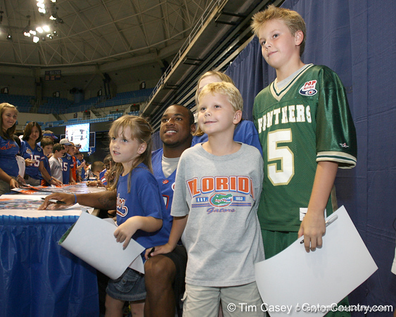 080817_HarvinPercy_5248_TCasey<br /> <br /> photo by Tim Casey<br /> <br /> during the University of Florida football team's Alltel Football Fan Day on Sunday, August 17, 2008 at the Stephen C. O'Connell Center in Gainesville, Fla.