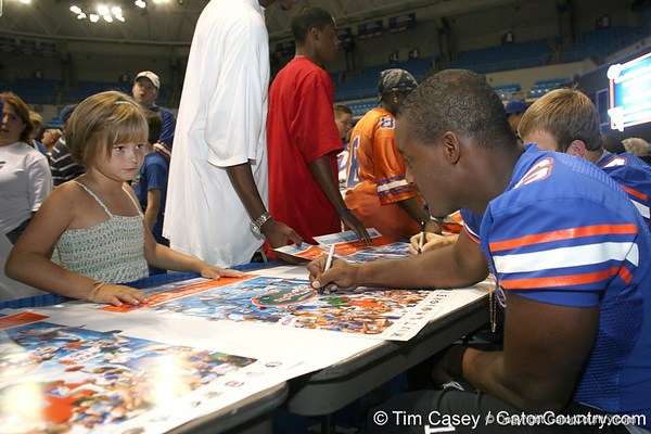 080817_ThompsonDeonte_5128_TCasey<br /> <br /> photo by Tim Casey<br /> <br /> during the University of Florida football team's Alltel Football Fan Day on Sunday, August 17, 2008 at the Stephen C. O'Connell Center in Gainesville, Fla.