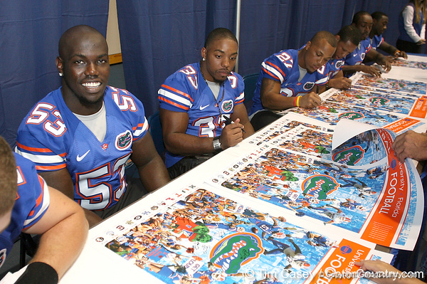 080817_DeveauxJamaal_5143_TCasey<br /> <br /> photo by Tim Casey<br /> <br /> during the University of Florida football team's Alltel Football Fan Day on Sunday, August 17, 2008 at the Stephen C. O'Connell Center in Gainesville, Fla.
