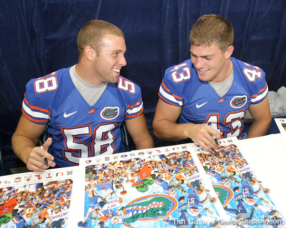 080817_FairbanksJohnSmithJames_5240_TCasey<br /> <br /> photo by Tim Casey<br /> <br /> during the University of Florida football team's Alltel Football Fan Day on Sunday, August 17, 2008 at the Stephen C. O'Connell Center in Gainesville, Fla.
