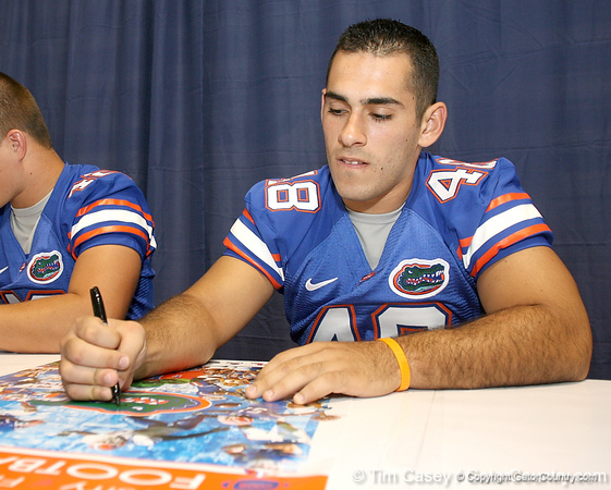 080817_BurgessRick_5142_TCasey<br /> <br /> photo by Tim Casey<br /> <br /> during the University of Florida football team's Alltel Football Fan Day on Sunday, August 17, 2008 at the Stephen C. O'Connell Center in Gainesville, Fla.