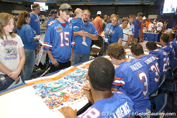 080817_UFfans_5258_TCasey<br /> <br /> photo by Tim Casey<br /> <br /> during the University of Florida football team's Alltel Football Fan Day on Sunday, August 17, 2008 at the Stephen C. O'Connell Center in Gainesville, Fla.