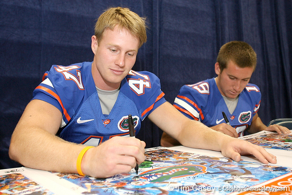 080817_TaussigGreg_5235_TCasey<br /> <br /> photo by Tim Casey<br /> <br /> during the University of Florida football team's Alltel Football Fan Day on Sunday, August 17, 2008 at the Stephen C. O'Connell Center in Gainesville, Fla.