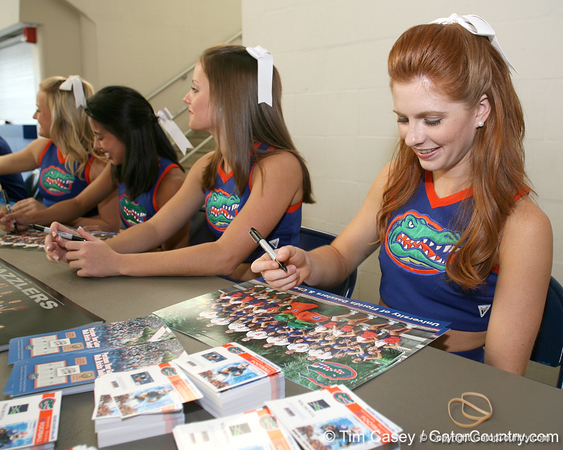 080817_UFcheerleaders_5098_TCasey<br /> <br /> photo by Tim Casey<br /> <br /> during the University of Florida football team's Alltel Football Fan Day on Sunday, August 17, 2008 at the Stephen C. O'Connell Center in Gainesville, Fla.