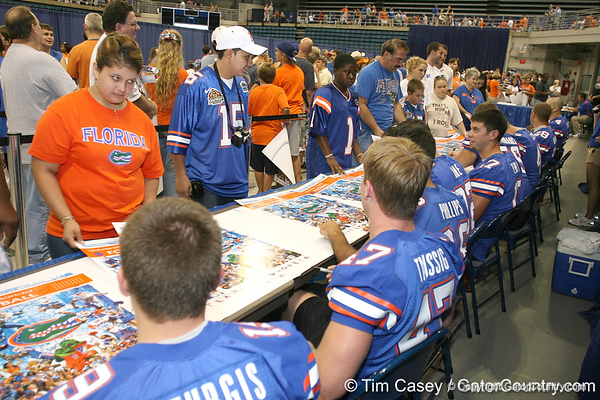 080817_UFfans_5233_TCasey<br /> <br /> photo by Tim Casey<br /> <br /> during the University of Florida football team's Alltel Football Fan Day on Sunday, August 17, 2008 at the Stephen C. O'Connell Center in Gainesville, Fla.
