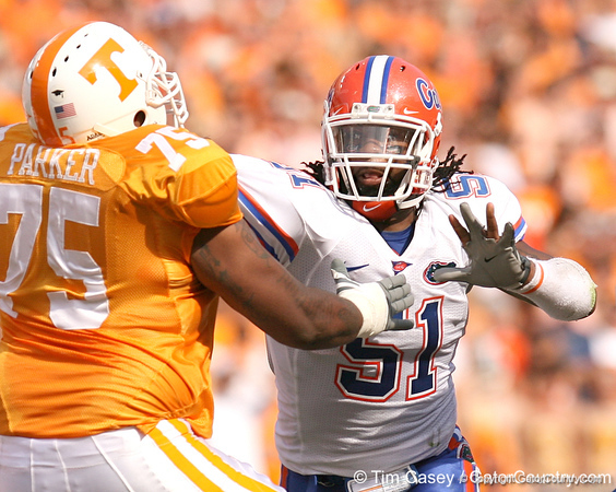 photo by Tim Casey<br /> <br /> Florida junior linebacker Brandon Spikes blitzes during the first half of the Gators' game against the Tennessee Volunteers on Saturday, September 20, 2008 at Neyland Stadium in Knoxville, Tenn.